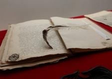 Живая история: первые челябинские архивисты спасли 50 повозок дореволюционных документов