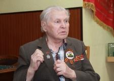Токарь-универсал Геннадий Шишкин на трудовом фронте