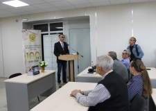 Презентация книги «Отец и сын Ахмеровы: выбор резидента»