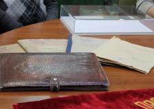 """В областной архив передали секретную """"сталинскую"""" папку"""