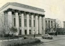 Здание пединститута